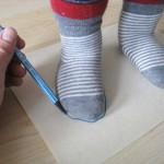 Mess-Schablone für Kinderfüße selber machen