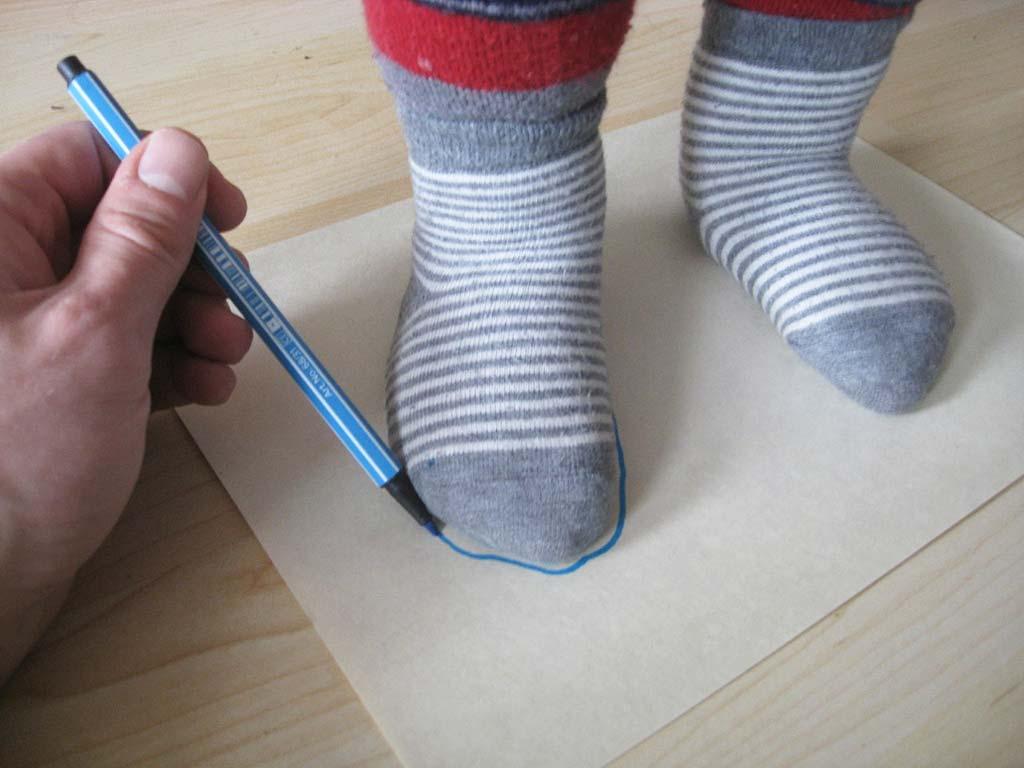 Foto Anleitung: Kinderfüße richtig messen in 5 Minuten